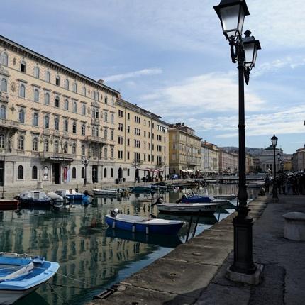 """Trieste - """"dalla scontrosa grazia"""""""