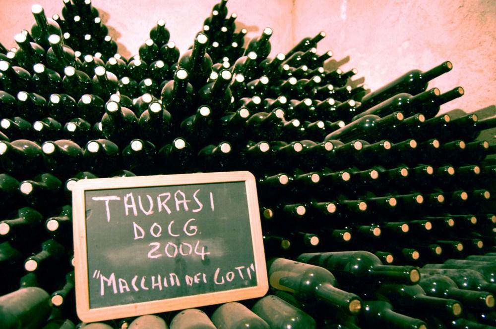 Bottiglie di Taurasi in invecchiamento