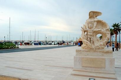 Gargano - Rodi Garganico - Ingresso al porto