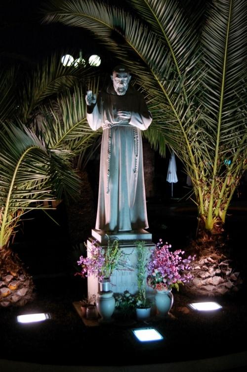 Gargano - Rodi Garganico - Monumento a San Pio